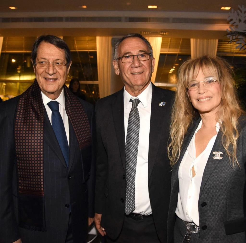 מימין: נשיא קפריסין ניקוס אנסטסיאדיס, ראש עיריית הרצליה משה פדלון ועפרה בל סגנית ראש העיר
