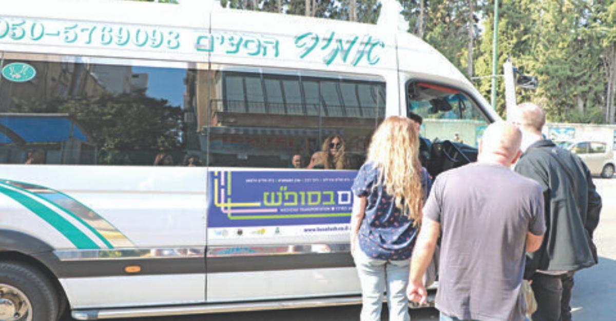 קווי התחבורה הציבורית לתל אביב