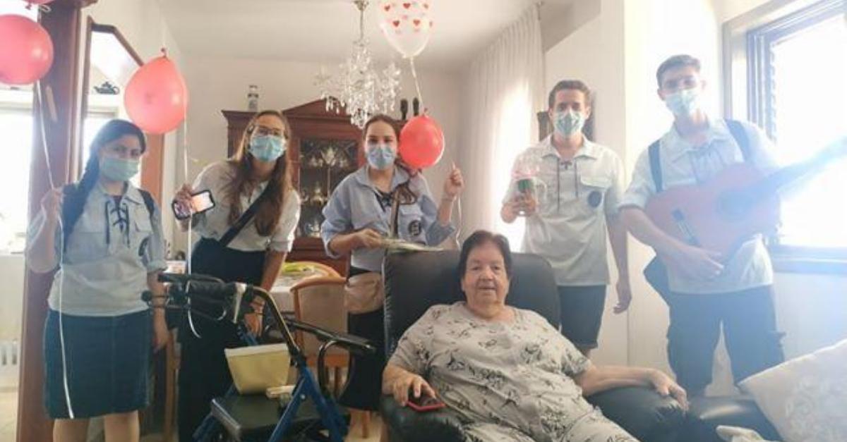 חוגגים לקשישים וקשישות ימי הולדת