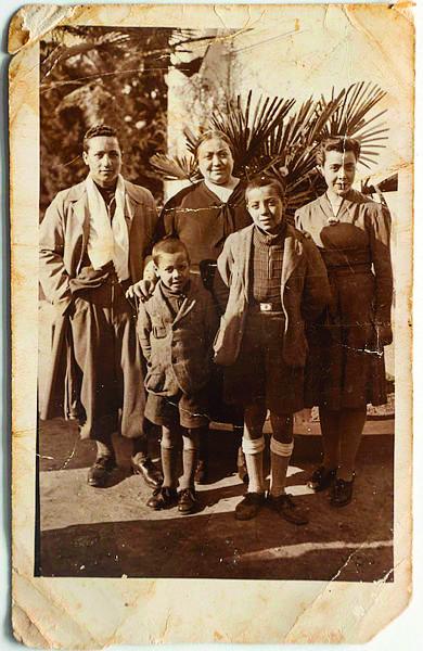 הוריה של שרה. לא שיתפו במה שעבר עליהם