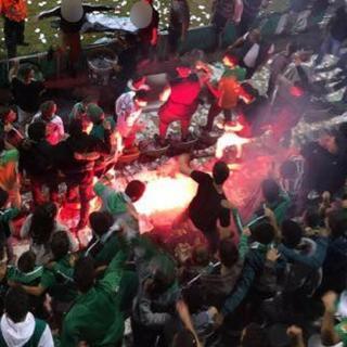 """אבוקה שנדלקה במסגרת המהומות   צילום: מתוך עמוד הפייסבוק של """"העורק הירוק"""""""