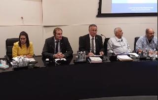 ישיבת מועצת העיר, אמש   צילום: עיריית הרצליה