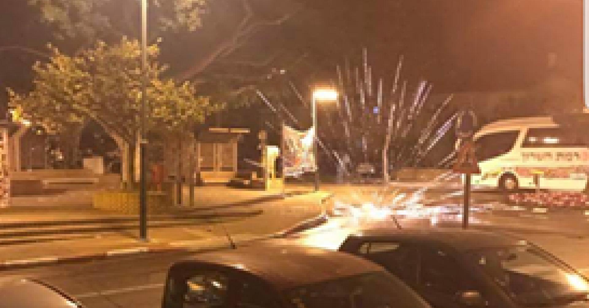 נפצים בשעות הקטנות של הלילה   צילום: תושבי השכונה