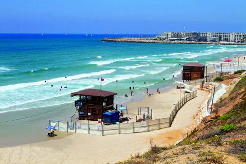 החוף הנפרד   צילום: אסף פרידמן